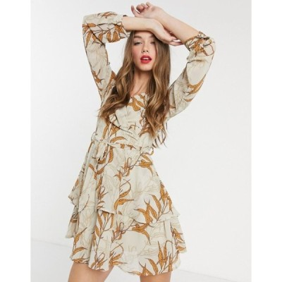 ガール イン マインド レディース ワンピース トップス Girl In Mind wrap-front tiered skater dress in tan leaf print