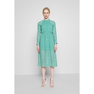 ウェンズデイガール ワンピース レディース トップス HIGH NECK ELASTICATED WAIST RAGLAN SLEEVE DRESS - Day dress - de-ja-vu green