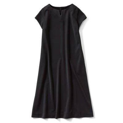 UVカット&接触冷感で着心地が涼やか 美シルエットの半袖ブラックワンピ IEDIT[イディット] フェリシモ FELISSIMO