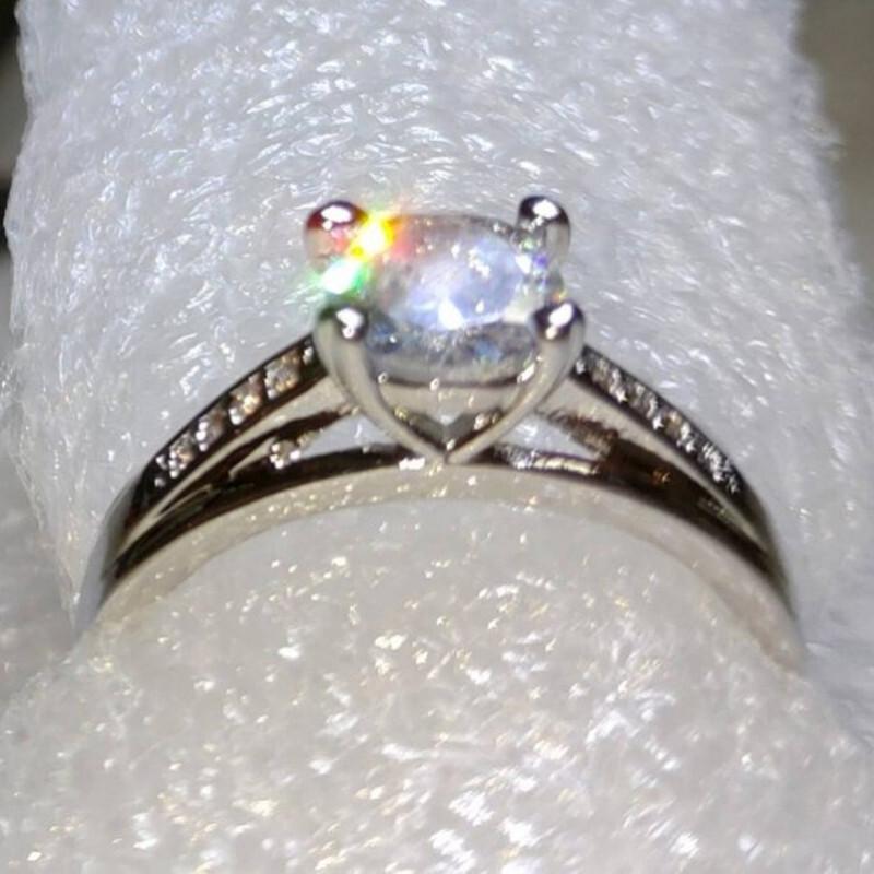 s925銀鍍白金莫桑石0.7克拉仿真d色鑽石戒指(10)
