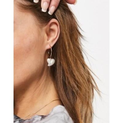 エイソス レディース ピアス・イヤリング アクセサリー ASOS DESIGN hoop earrings with pearl heart charm in gold tone Gold