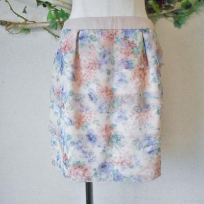 美品 プライドグライド prideglide オンワード 樫山 淡い 花柄 プリント の 可愛い 段々 スカート 38