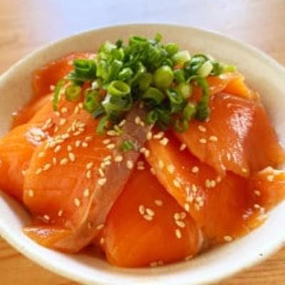 生サーモン漬け丼4食セット(4パック)