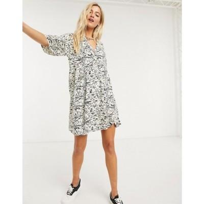 ノイジーメイ レディース ワンピース トップス Noisy May shirt smock mini dress in abstract marble print