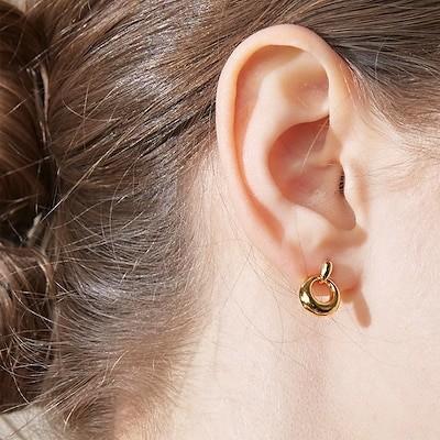 ITZY 着用 little olive earring