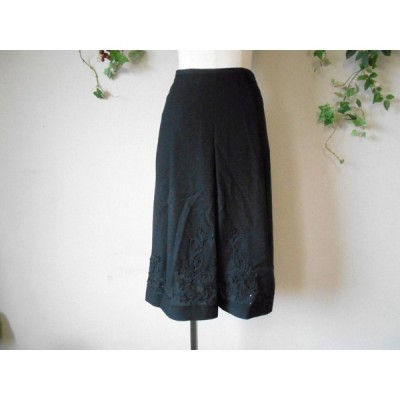 美品 ジャンニロジュディチェ GIANNI LO GIUDICE スパンコール 使用 刺繍 の 素敵 な スカート 黒 36