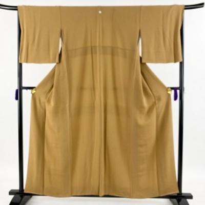 色無地 美品 秀品 一つ紋 縮緬 山吹茶色 袷 身丈156cm 裄丈65.5cm M 正絹 中古