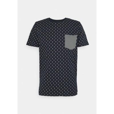 ジャック アンド ジョーンズ Tシャツ メンズ トップス JORCANYON POCKET TEE CREW NECK - Print T-shirt - navy blazer