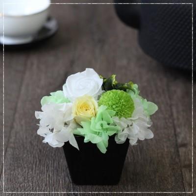 プリザーブドフラワー 和風 フラワーアレンジメント ギフト 花 プレゼント お祝い お仏壇 仏花 いろは 白