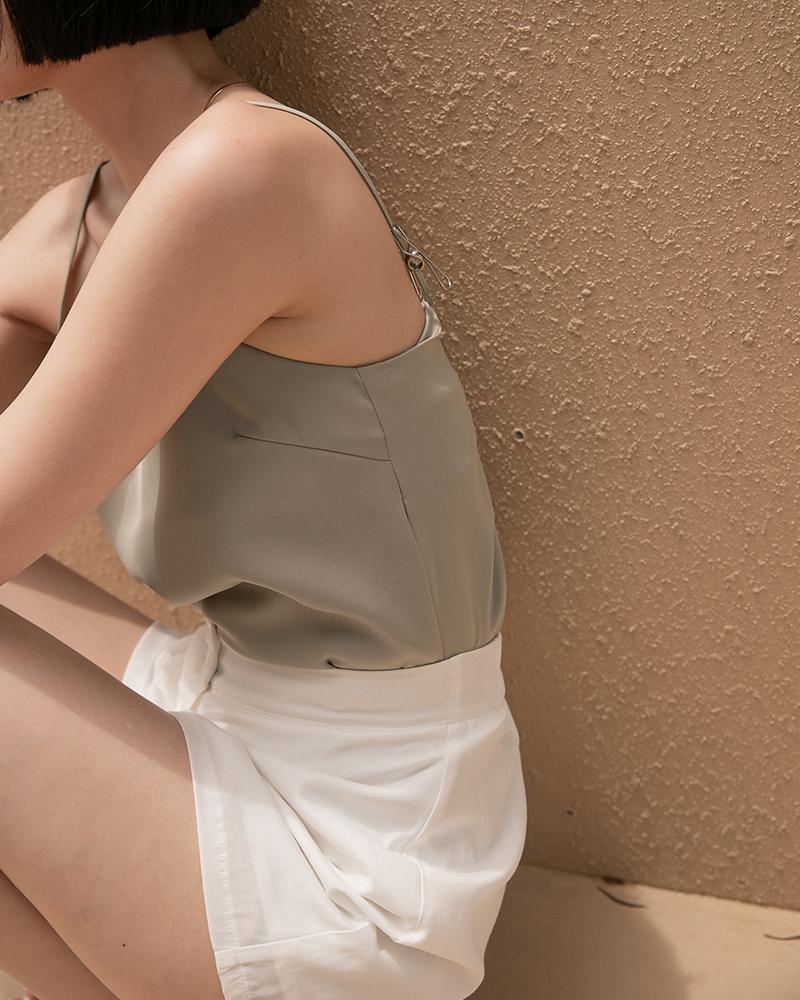 微光澤細肩帶背心-Mercci22