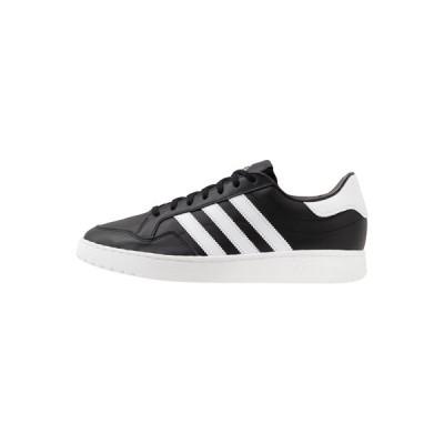 アディダスオリジナルス スニーカー メンズ シューズ TEAM COURT - Trainers - core black/footwear white