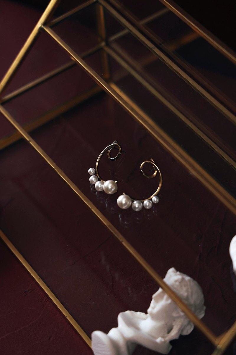 COR-DATE / 線條 / 珍珠大小排序耳環