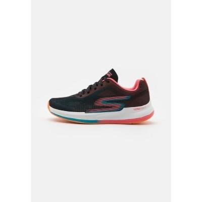 スケッチャーズ シューズ レディース ランニング GO RUN PULSE - Neutral running shoes - black/multicolor