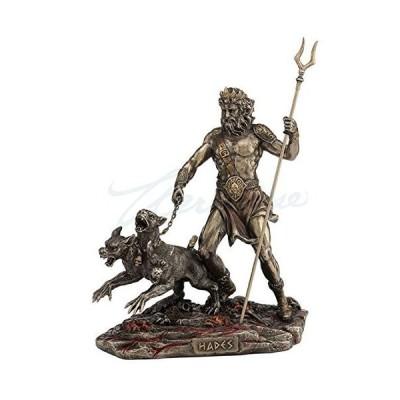 Hades Holdingスタッフwith Cerberus Statue
