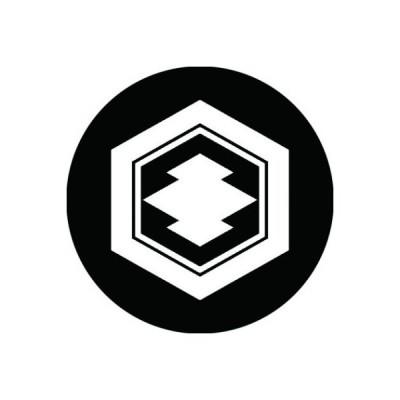 家紋シール 白紋黒地 亀甲に松皮菱 布タイプ 直径23mm 6枚セット NS23-0884W