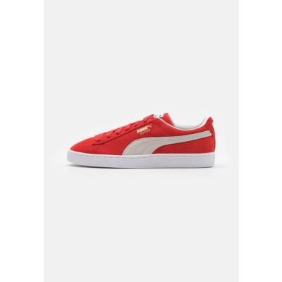 プーマ メンズ 靴 シューズ SUEDE CLASSIC - Trainers - high risk red/white