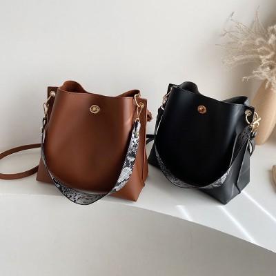 新品お買い得おしゃれレディーストートバッグ雑誌に掲載された人気バッグ芸能人愛用のバッグ 大容量可愛い通勤通学9N336