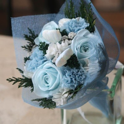 Blue Heart(ブルーハート)ハートのピックが愛らしいプリザーブドフラワーのブーケ
