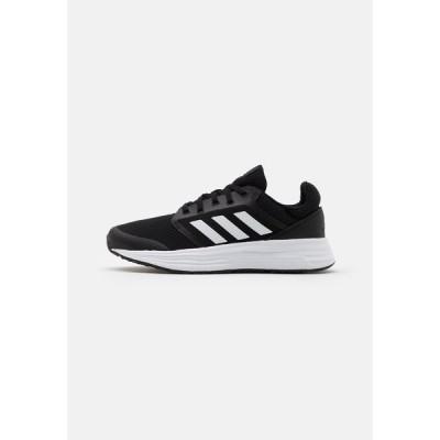 アディダス シューズ レディース ランニング GALAXY 5 - Neutral running shoes - core black/footwear white/grey six