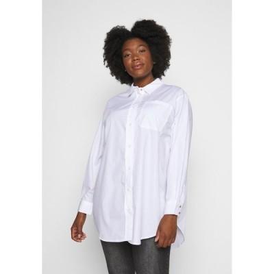 カフェ カーブ シャツ レディース トップス KCLONE - Button-down blouse - opticl white