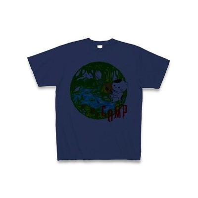 キャンプで釣りする猫 Tシャツ(ジャパンブルー)