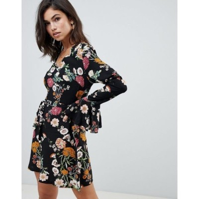 ミスガイデッド レディース ワンピース トップス Missguided v neck ruffle sleeve dress in black floral Multi
