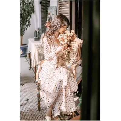 韓国の人気爆発  韓国ファッション フレンチ ケーキスカート 百掛け レトロ Vネック ドット おしゃれな シフォン 大人気 ワンピース  2020年夏 小さい新鮮な 新作 お出かけ