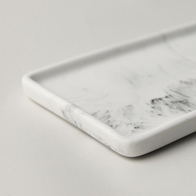 再生大理石。置物盤。長盤。白。選購雷雕刻字。英文刻字。客製化