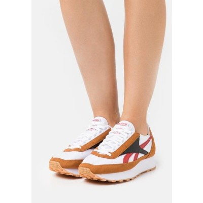 リーボック レディース 靴 シューズ AZ PRINCESS - Trainers - marred/white/black