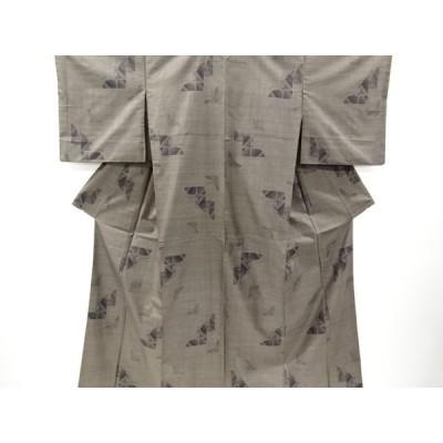 宗sou 蝶模様織り出し本場泥大島紬着物(7マルキ)【リサイクル】【着】