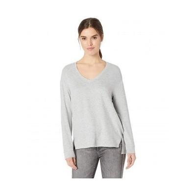 Cupcakes and Cashmere レディース 女性用 ファッション Tシャツ Gazella Ultra Soft V-Neck Sweater - Heather Grey