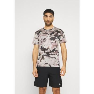 ナイキ メンズ スポーツ用品 DRY TEE - Print T-shirt - college grey/smoke grey