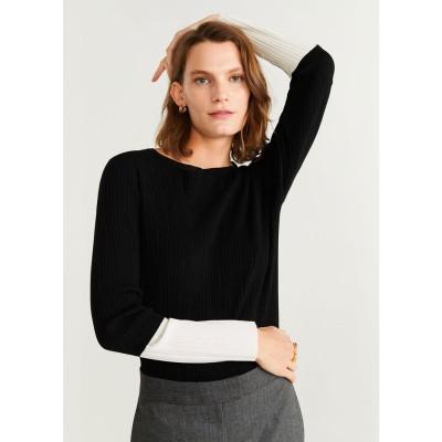 セーター .-- PLEATED (ブラック)
