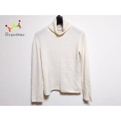 サルバトーレフェラガモ 長袖セーター サイズM レディース - アイボリー タートルネック   スペシャル特価 20210419