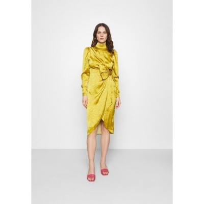 フー ワット ウェア ワンピース レディース トップス DRAPED BOW MIDI DRESS - Cocktail dress / Party dress - mustard