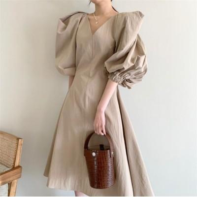 カジュアル派の定番アイテム💛韓国ファッション 2021 新品 ピュアカラー スリム パフスリーブ Vネック ワンピース 気高い エレガント 女性らしい トレンド デザインセンス