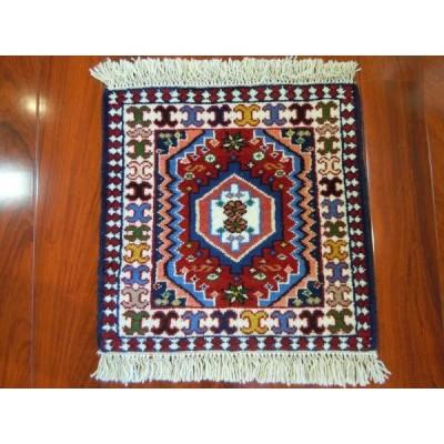 ヤラメ産 ミニサイズ イラン製手織り草木染め ペルシャ絨毯 W-332
