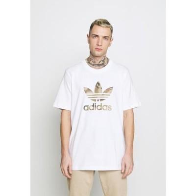 アディダス メンズ ファッション CAMO INFILL TEE - Print T-shirt - white/wild pine