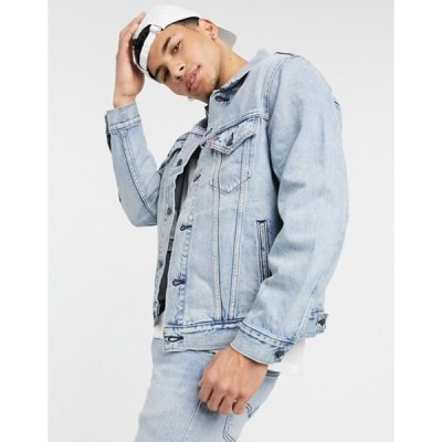 リーバイス メンズ ジャケット・ブルゾン アウター Levi's vintage relaxed fit denim trucker jacket in extreme light wash