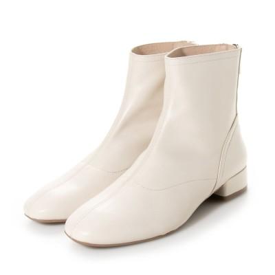 サヴァサヴァ cava cava やわらかレザーで履きやすいプレーンショートブーツ (オフホワイト)