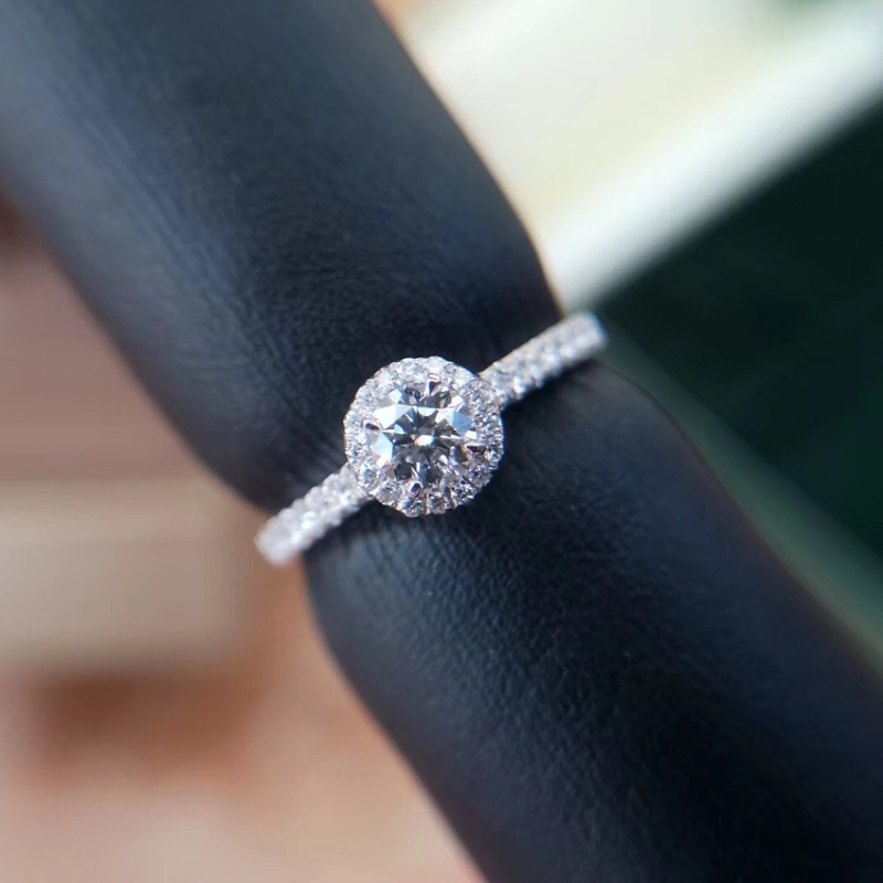 璽朵珠寶 [ 18K金 30分 放大 鑽石 戒指 ] 微鑲工藝 時尚設計 鑽石權威 婚戒顧問 婚戒第一品牌 GIA