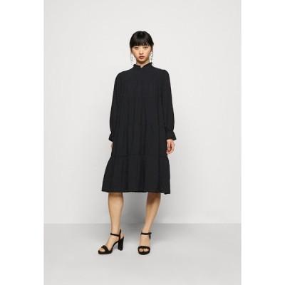 ピーシーズ プティ ワンピース レディース トップス PCREY DRESS  - Day dress - black