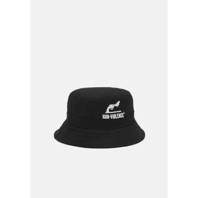 ジャック アンド ジョーンズ 帽子 メンズ アクセサリー JACNON-VIOLENCE BUCKET HAT - Hat - black