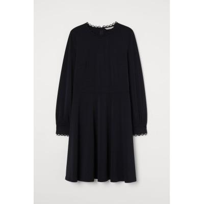 H&M - スカラップデザインワンピース - ブラック