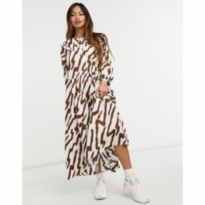 グラマラス Glamorous レディース ワンピース ティアードドレス ティアードスカート Maxi Smock Dress With Tiered Skirt And Bib Collar