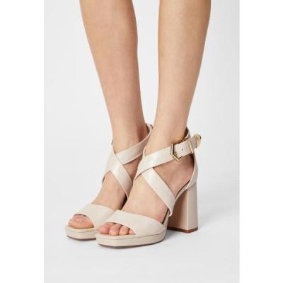 バッファロー レディース 靴 シューズ VEGAN RAMEA - Sandals - cream