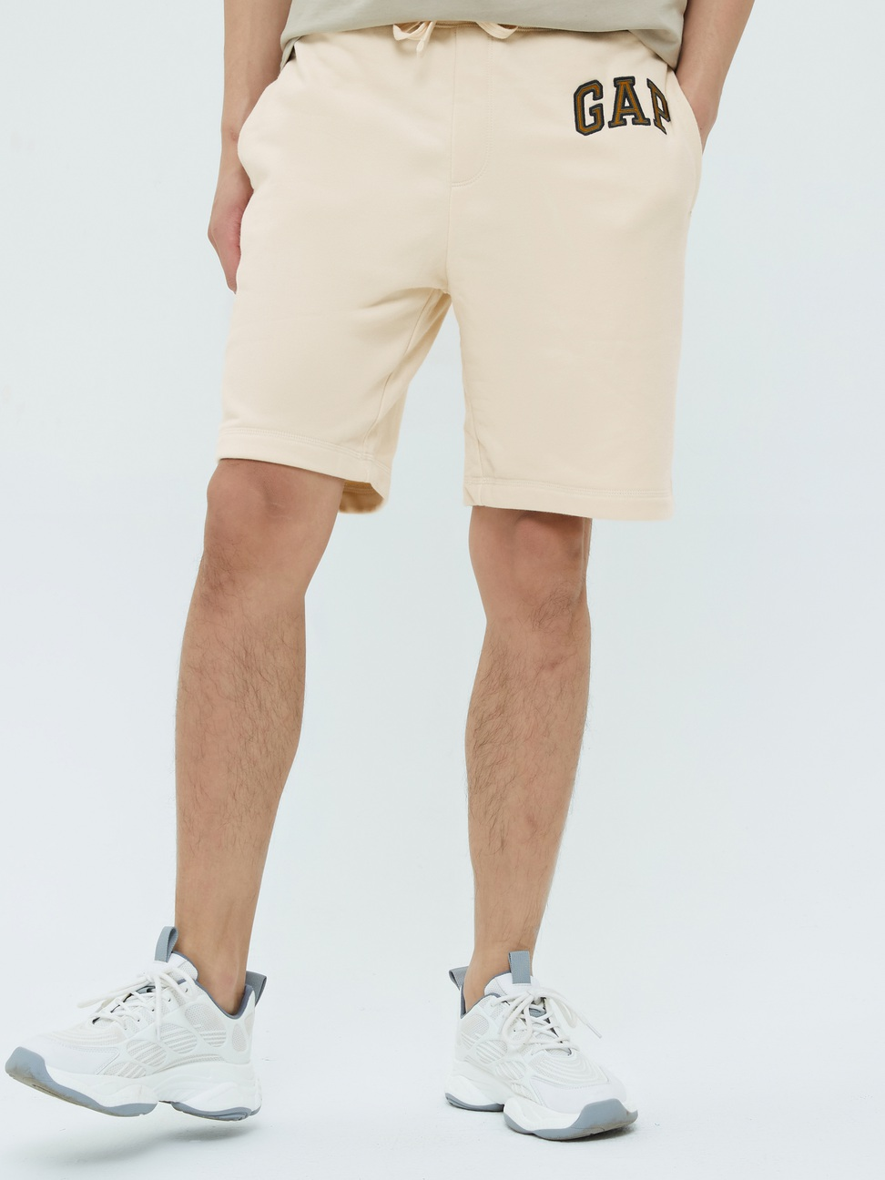 男裝 碳素軟磨系列法式圈織 Logo簡約風格鬆緊休閒短褲