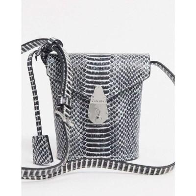 カルバンクライン Calvin Klein レディース バッグ バケットバッグ bucket bag with lock in snake ブラック/ホワイトスネイク