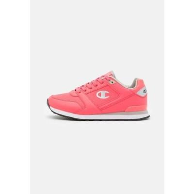 チャンピオン レディース スポーツ用品 LOW CUT SHOE MIX - Sports shoes - coral