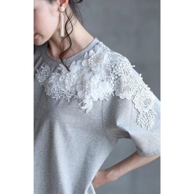 tシャツ Tシャツ 可憐な白花レーストップス